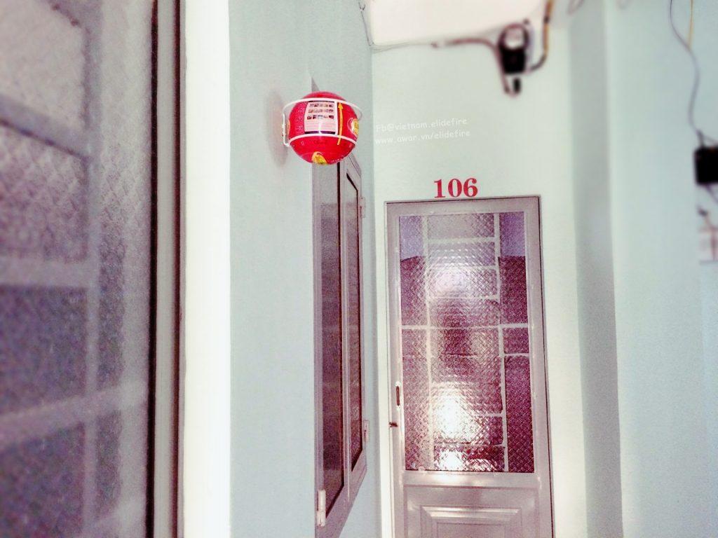 Đặt bóng chữa cháy tại tầng 1