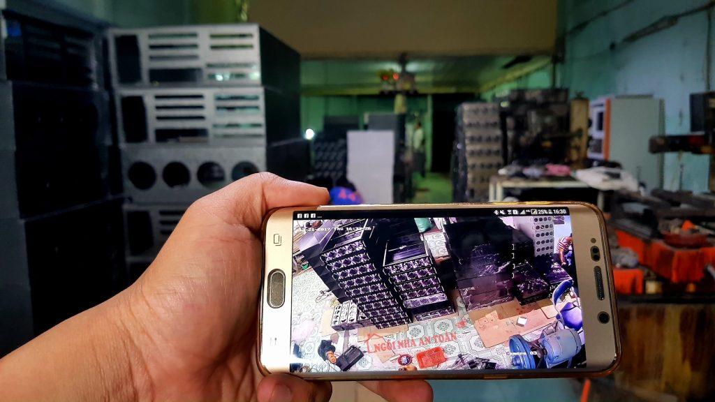 Camera nhà xưởng xem qua điện thoại